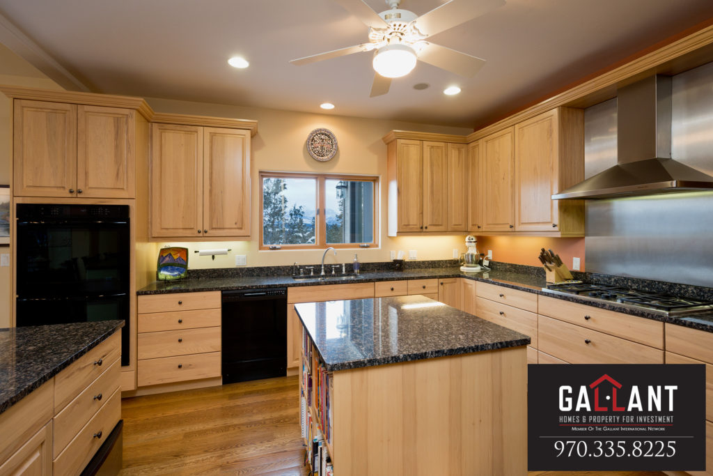 208 Deer Valley Kitchen